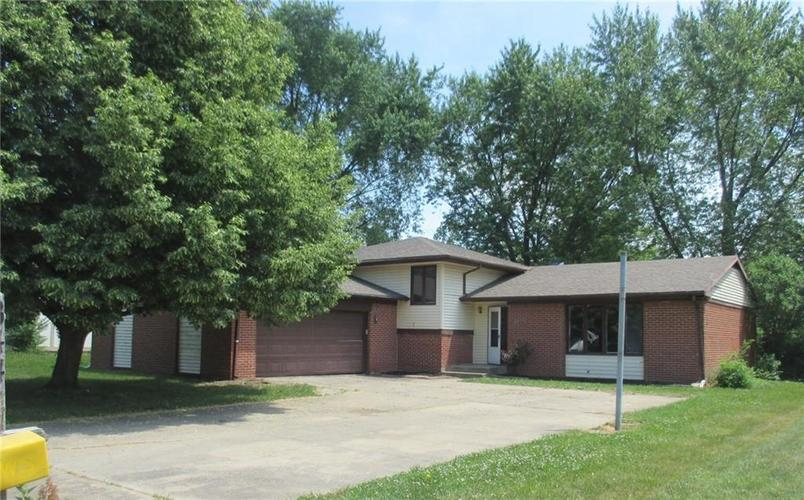 3447  SUMMERFIELD Drive Indianapolis, IN 46214   MLS 21611704