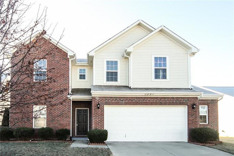 3281  Enclave Crossing Greenwood, IN 46143 | MLS 21611729