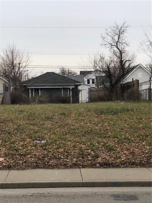 1123 S State Avenue Indianapolis IN 46203 | MLS 21611743 | photo 1