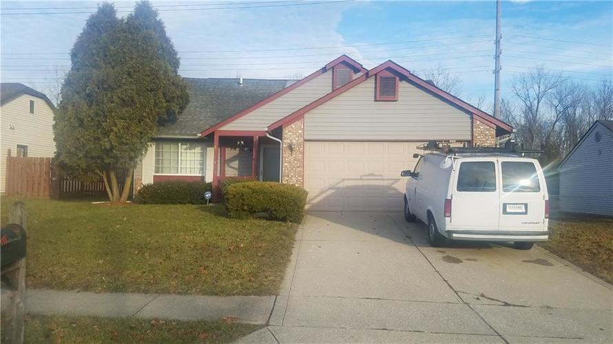 10320 E MAUMEE Drive Indianapolis, IN 46235 | MLS 21611840 | photo 1