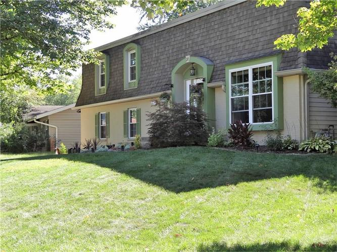 37  WILSON Drive Carmel, IN 46032 | MLS 21612140