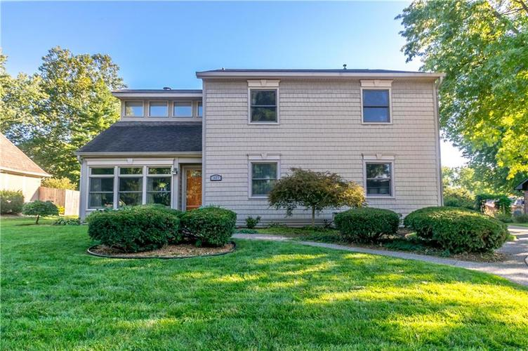 627 SUN VALLEY Court Indianapolis, IN 46217 | MLS 21612148 | photo 1