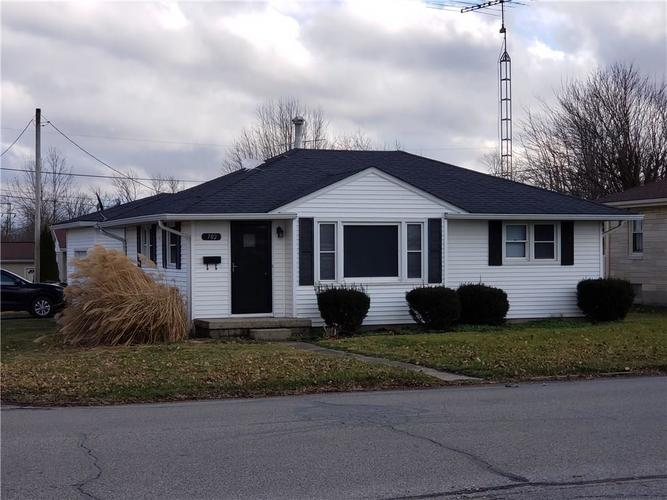 702 S Broadway Street Greensburg, IN 47240 | MLS 21612245 | photo 1