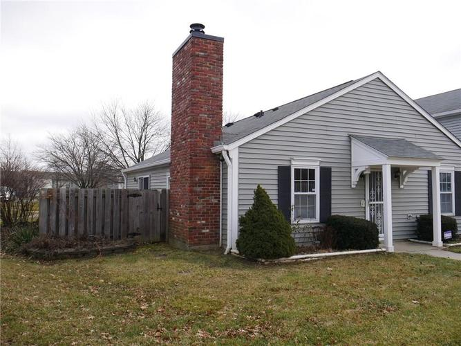 4926 OAKBROOK Court Indianapolis, IN 46254 | MLS 21612583 | photo 2