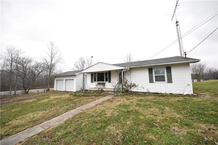 9934 E County Road 400 S Crothersville, IN 47229 | MLS 21612837 | photo 1