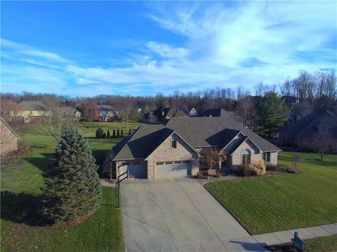 2005 Aspen Drive Avon, IN 46123 | MLS 21613115 | photo 1