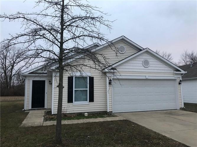 1603  Carriage Circle Shelbyville, IN 46176   MLS 21613305