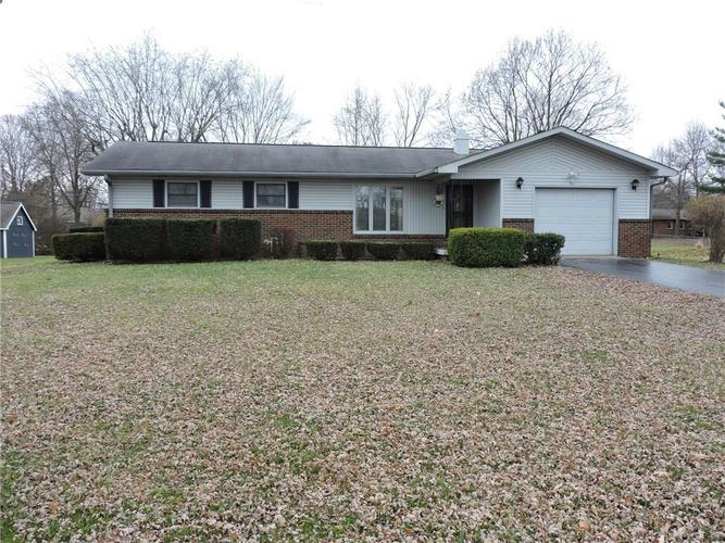 8741 W 10th Street Indianapolis, IN 46234 | MLS 21613667