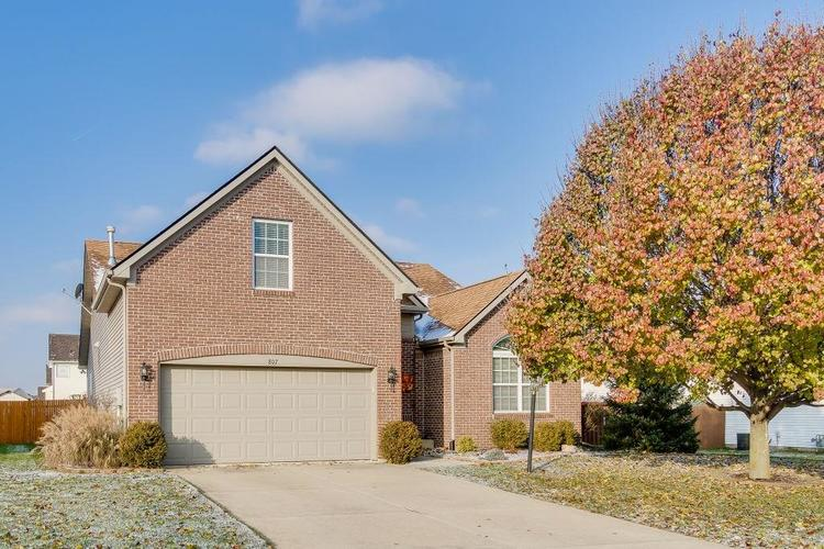 807 Bristle Lake Drive Brownsburg, IN 46112 | MLS 21613680 | photo 1