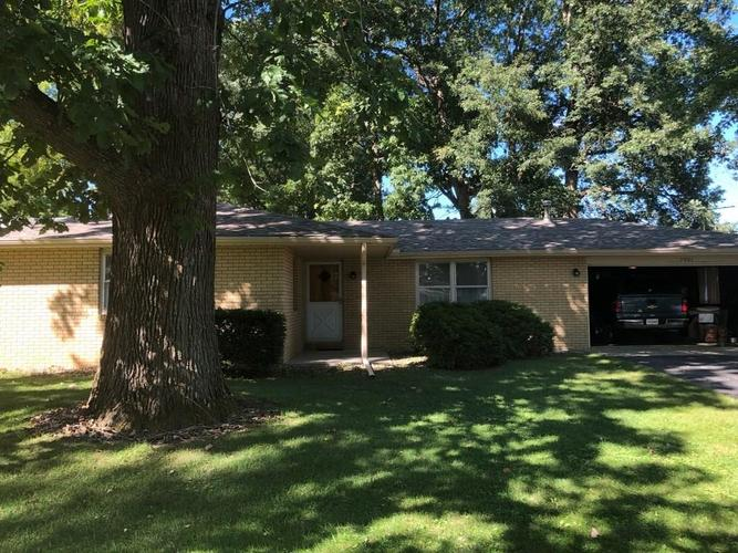 7901 S Maple Drive Daleville, IN 47334 | MLS 21613682