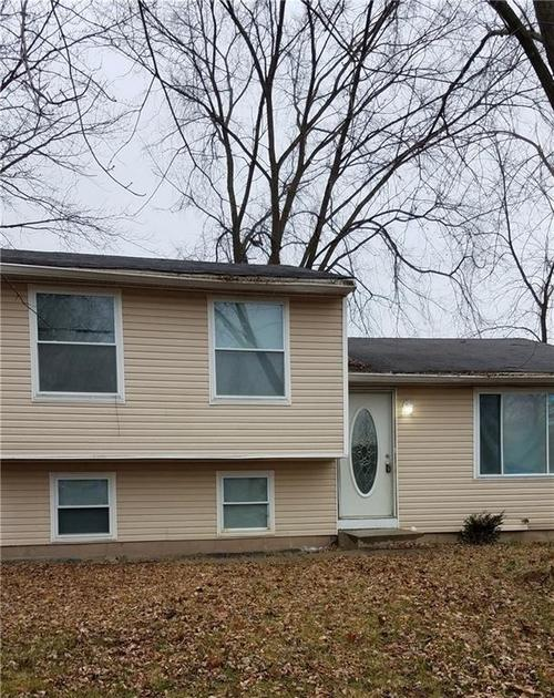 10314  Starhaven Circle Indianapolis, IN 46229 | MLS 21613699
