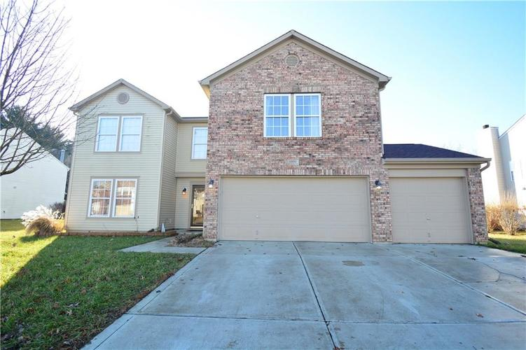 6891 Woodland Heights Drive Avon, IN 46123 | MLS 21613743 | photo 1