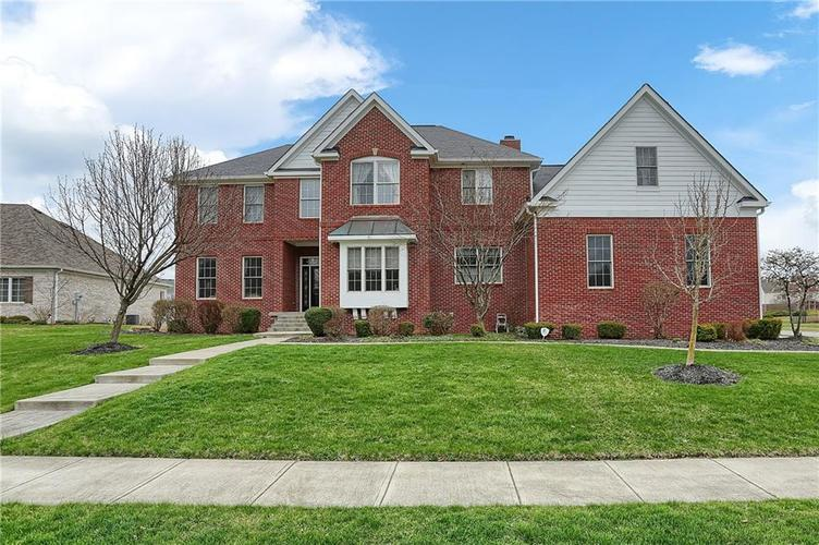 10387 Water Crest Drive Fishers, IN 46038 | MLS 21613880 | photo 1