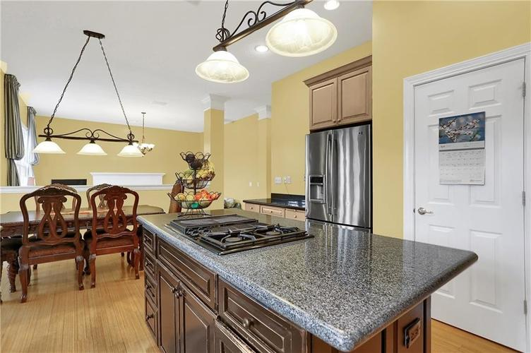 10387 Water Crest Drive Fishers, IN 46038 | MLS 21613880 | photo 12