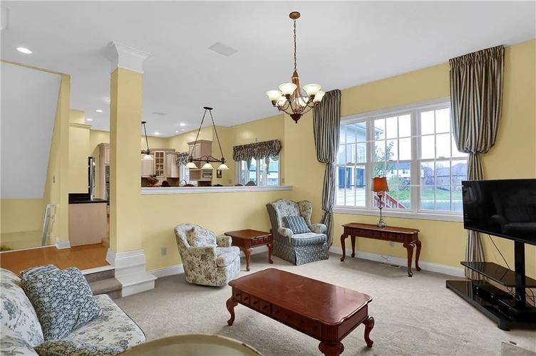 10387 Water Crest Drive Fishers, IN 46038 | MLS 21613880 | photo 13