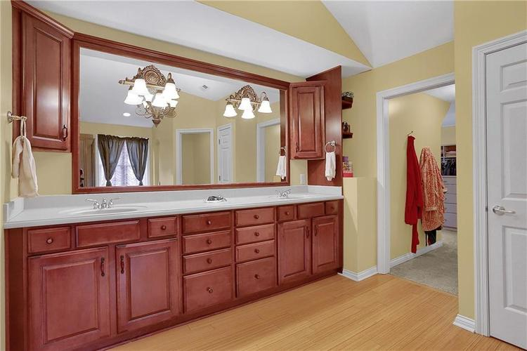 10387 Water Crest Drive Fishers, IN 46038 | MLS 21613880 | photo 25