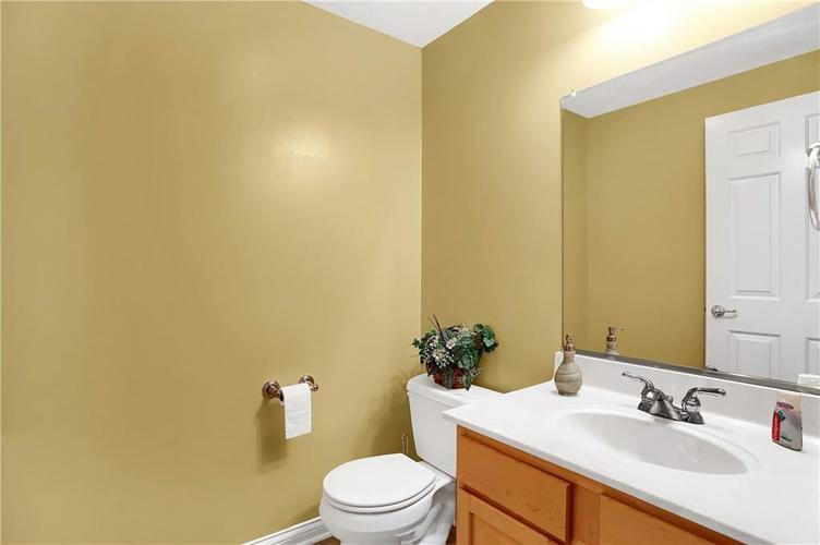 10387 Water Crest Drive Fishers, IN 46038 | MLS 21613880 | photo 38