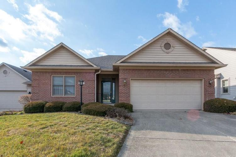 694  Vandyke Way Greenwood, IN 46142 | MLS 21613886
