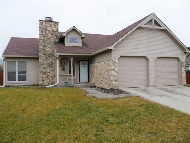 9226 HOMESIDE Drive Indianapolis, IN 46250 | MLS 21613931 | photo 1