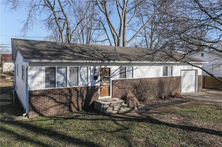 33  Crestview Drive Greenwood, IN 46143 | MLS 21613967