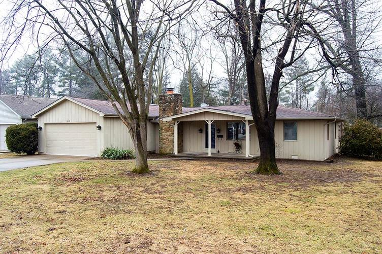 3219  Sycamore Drive  Columbus, IN 47203 | MLS 21614127