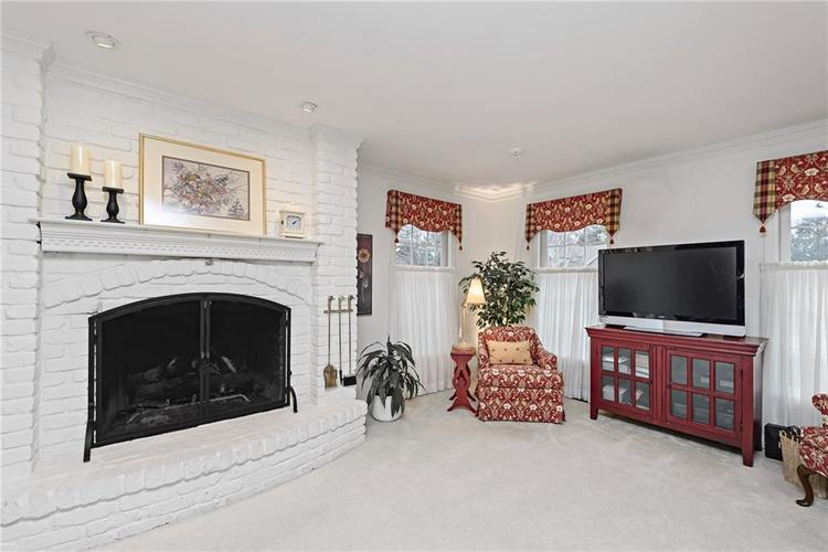 12654 Limberlost Drive Carmel, IN 46033 | MLS 21614166 | photo 9