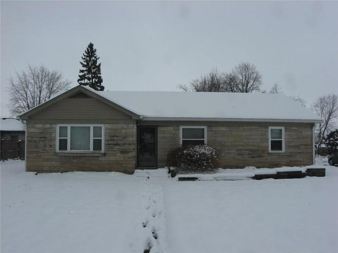 102 Roosevelt Drive Greenfield, IN 46140 | MLS 21614315 | photo 1