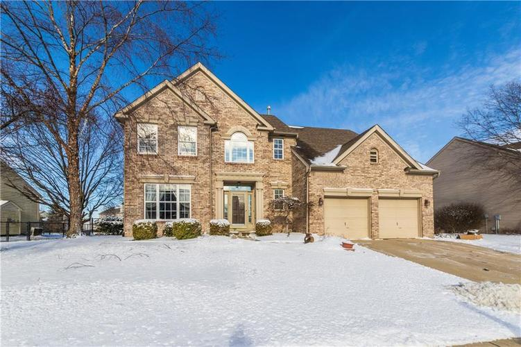 10163  PARKSHORE Drive Fishers, IN 46038 | MLS 21614459