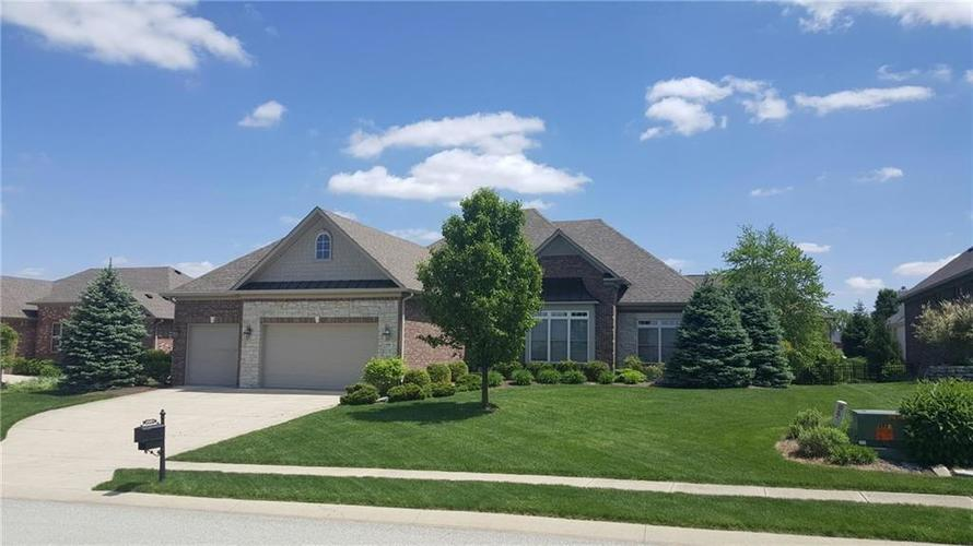 2949  Abbotsbury Court Greenwood, IN 46143 | MLS 21614464