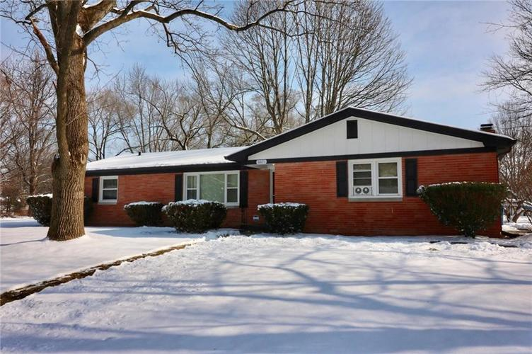 6071 N Victoria Drive Indianapolis, IN 46228 | MLS 21614465