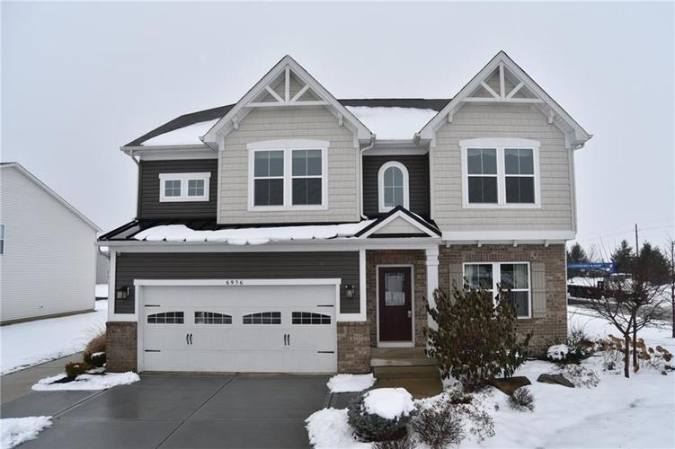 6936 Eagle Crossing Boulevard Brownsburg, IN 46112 | MLS 21614524 | photo 1