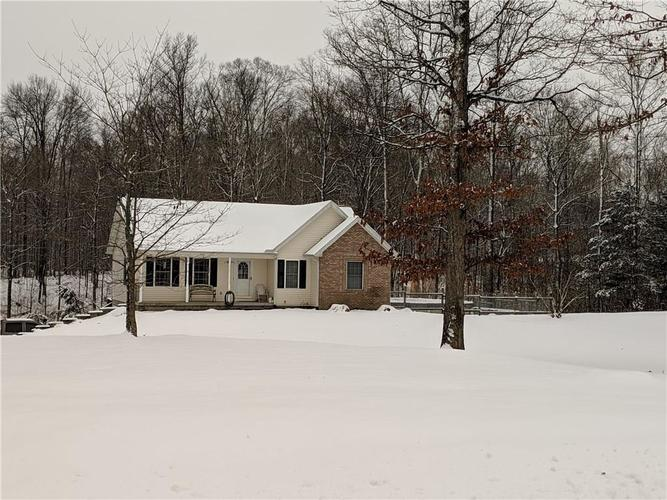 135 E County Road 800 N North Vernon, IN 47265 | MLS 21614561 | photo 1