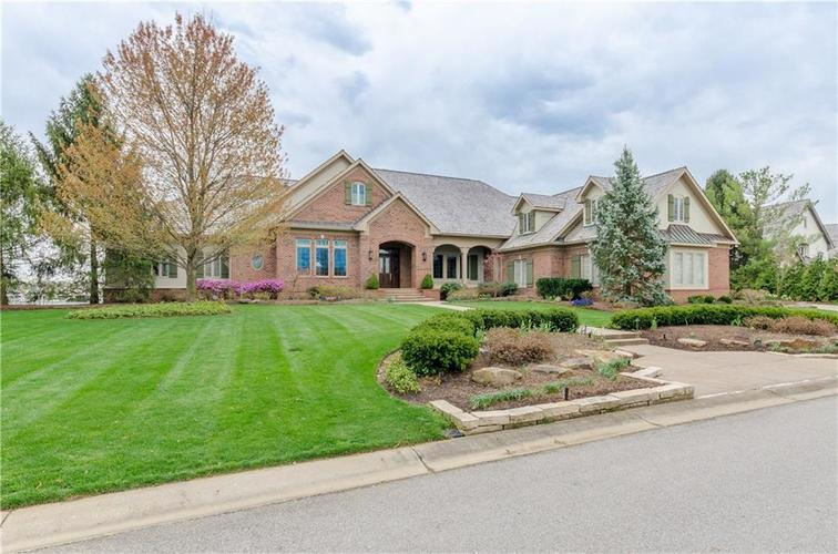 8197  Clearwater Point Indianapolis, IN 46240   MLS 21614683