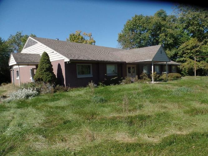 2508 W Country Club Road Crawfordsville, IN 47933 | MLS 21614896 | photo 1