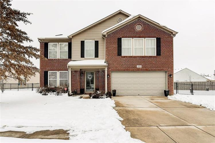 5829 Skipping Stone Drive Indianapolis, IN 46237 | MLS 21615005 | photo 1