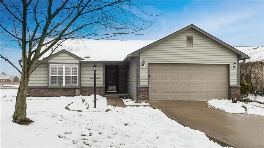8205 Crosser Drive Indianapolis, IN 46237 | MLS 21615039 | photo 1