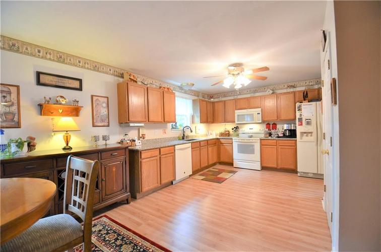 7963 Arvada Place Indianapolis, IN 46236 | MLS 21615614 | photo 13