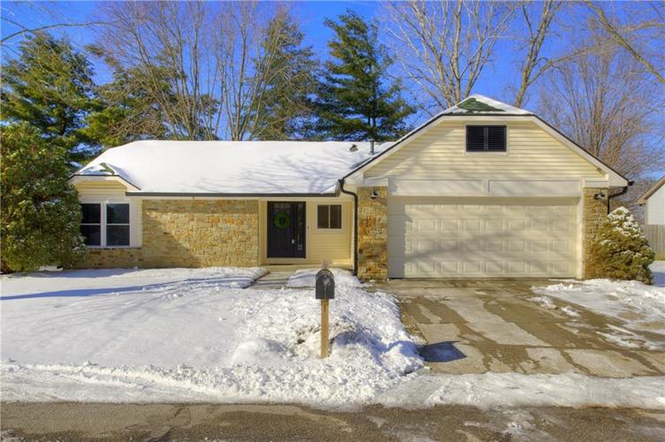 10922  Geist Woods North Drive Indianapolis, IN 46256 | MLS 21615645