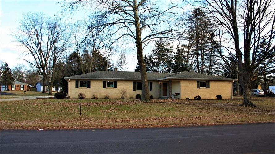 13275  CHEVY CHASE Drive Fishers, IN 46038   MLS 21615981