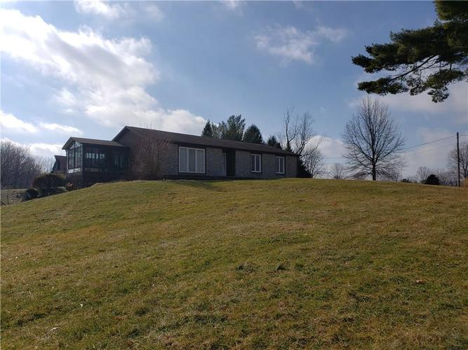 5477 E County Road 150 N Avon, IN 46123 | MLS 21616034 | photo 1