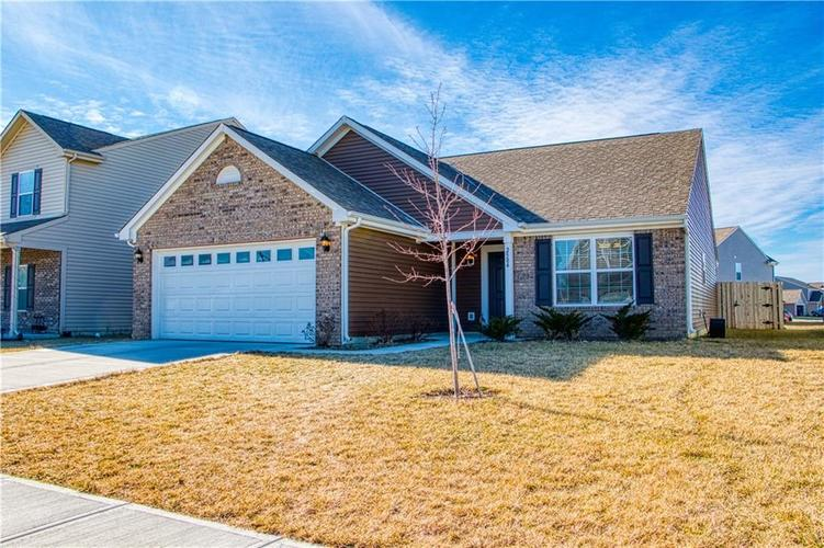 2584  Shadowbrook Trace Greenwood, IN 46143 | MLS 21616149