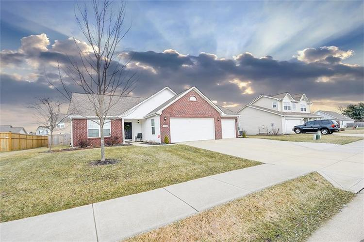 2318  Spring Dipper Drive Greenfield, IN 46140 | MLS 21616216