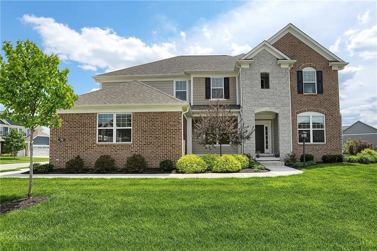 761 Holly Lane Farms Drive Westfield, IN 46074 | MLS 21616414 | photo 1
