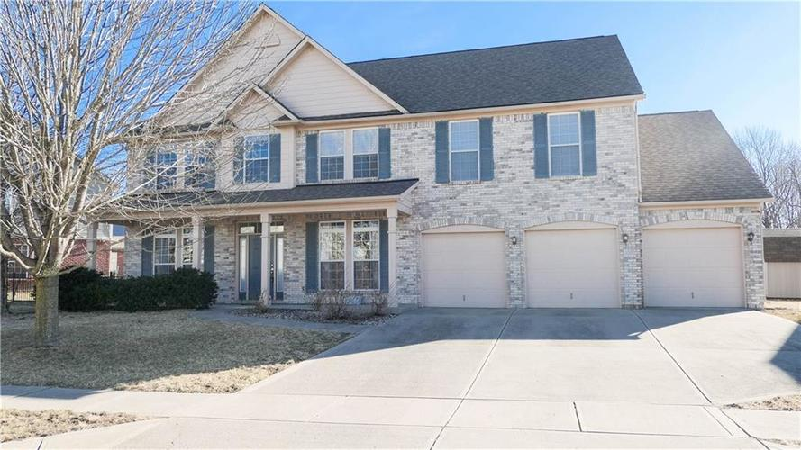 8119  Meadow Bend Lane Indianapolis, IN 46259 | MLS 21616507