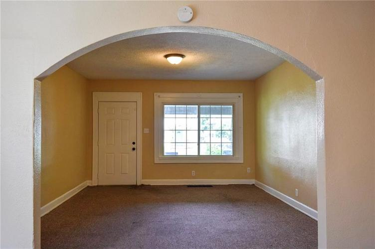 3525 Guilford Avenue Indianapolis, IN 46205 | MLS 21616533 | photo 2