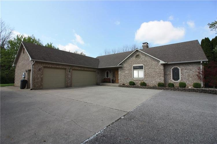 4495 W Stones Crossing Road Greenwood, IN 46143 | MLS 21616585