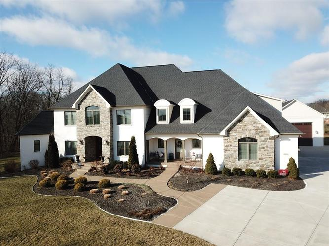 5922  CLAYBROOK Drive Bargersville, IN 46106 | MLS 21616752