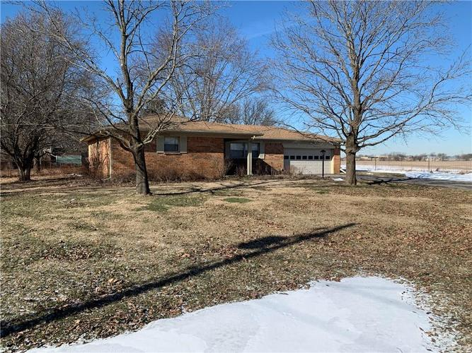 2758  High Acres East Street New Palestine, IN 46163 | MLS 21616932