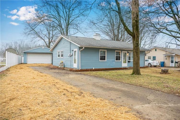 445  Parkview Drive New Whiteland, IN 46184 | MLS 21617540