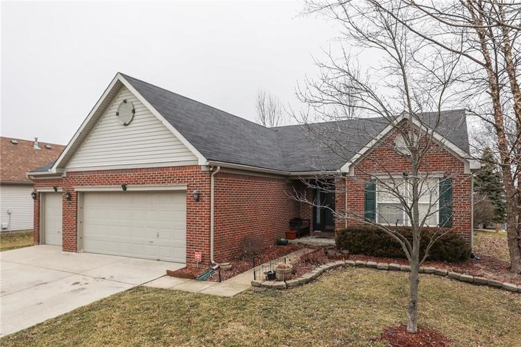 2302  WILLOWVIEW Drive Indianapolis, IN 46239 | MLS 21617581